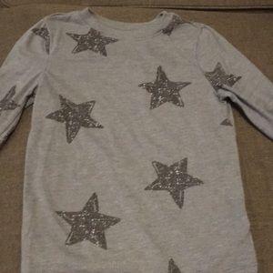 Old navy long sleeve t-shirt